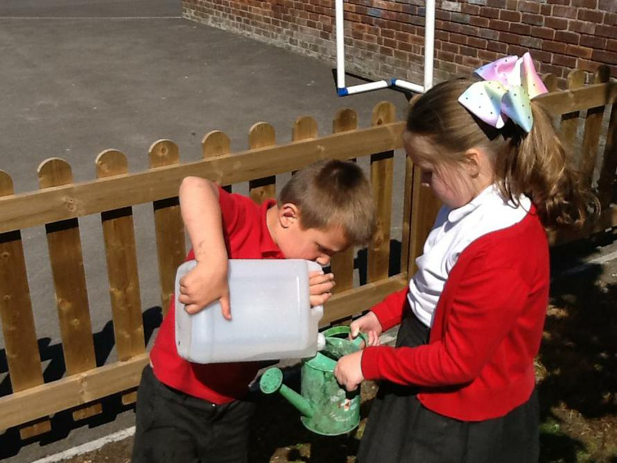 Great teamwork Thomas and Grace.