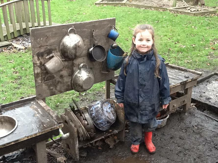 Super Sophia organised our Mud Kitchen.
