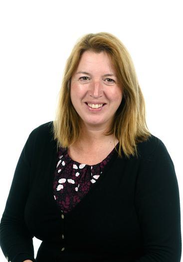 Mrs Dowset - Higher Level Teaching Assistant