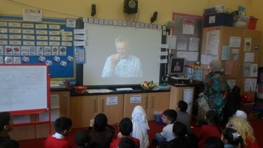 Children learning about Michael Rosen