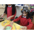 Decorating cakes and biscuits