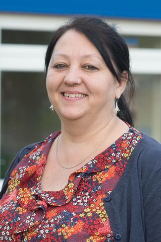 Dr Victoria Brelsford - v.brelsford@levertonacademy.co.uk