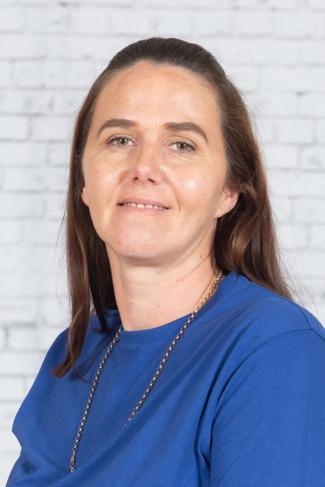 Mrs Nikki Steels - Breakfast club & Midday Supervisor