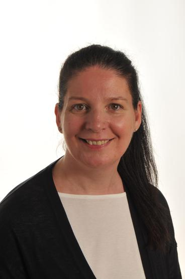 Lisa Thelwell, Headteacher