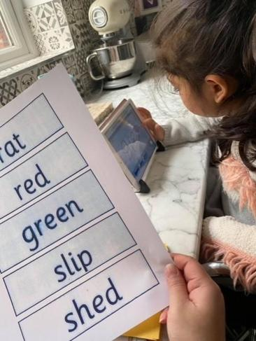 Using writing repeater to spell green words