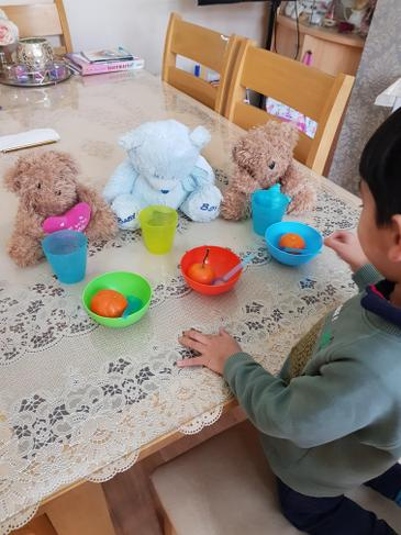 Zidan's picnic party with his '3' teddy bears.
