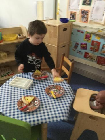 Exploring the number 3 - Teddy Bear's Picnic