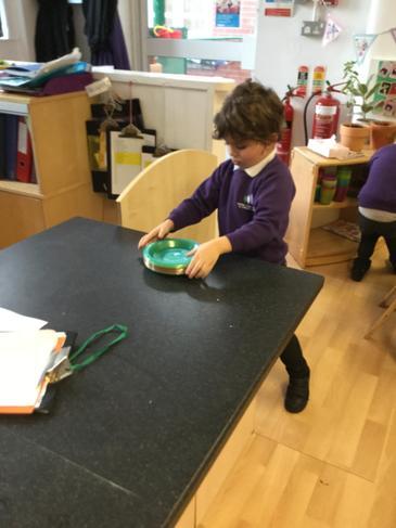 Preparing plates.