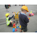 Builders at work - exploring outside role-play