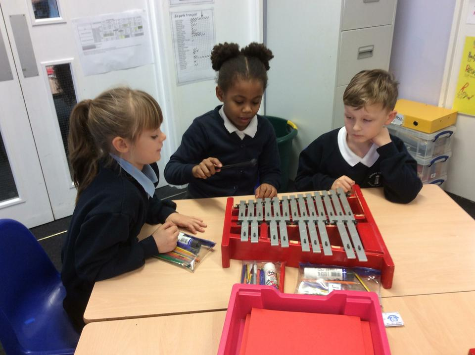 Year 3 Music lesson - Aut Term Dimensions 'Pitch'
