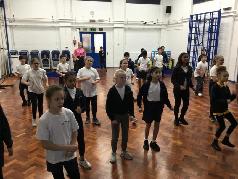 Oak Class Afro-Beats Dancing