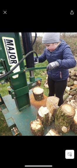 Lisbellaw's most glamorous lumberjack! :)