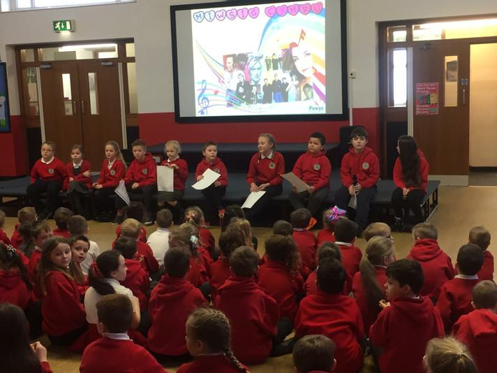 The Criw have introduced Welsh bands in assembly.