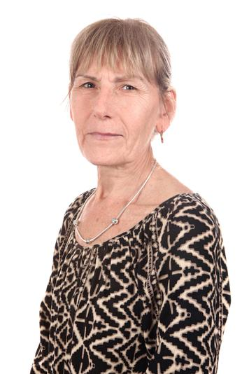 Mrs D James - Senior Lunchtime Supervisor