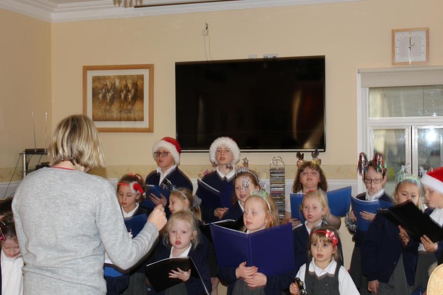 Glee Club sang at Greenview Care home