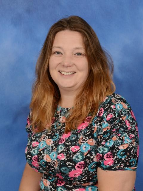 Mrs R Munn - Learning Support Assistant