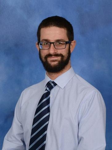 Mr L Elsworthy - Class 12 Teacher