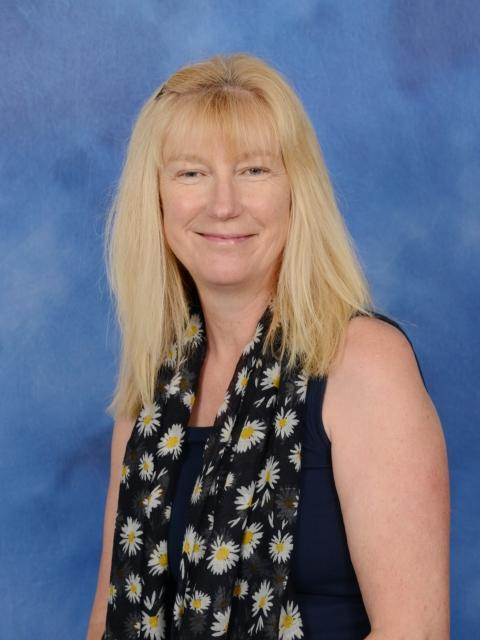 Mrs J Puddicombe - Library Assistant
