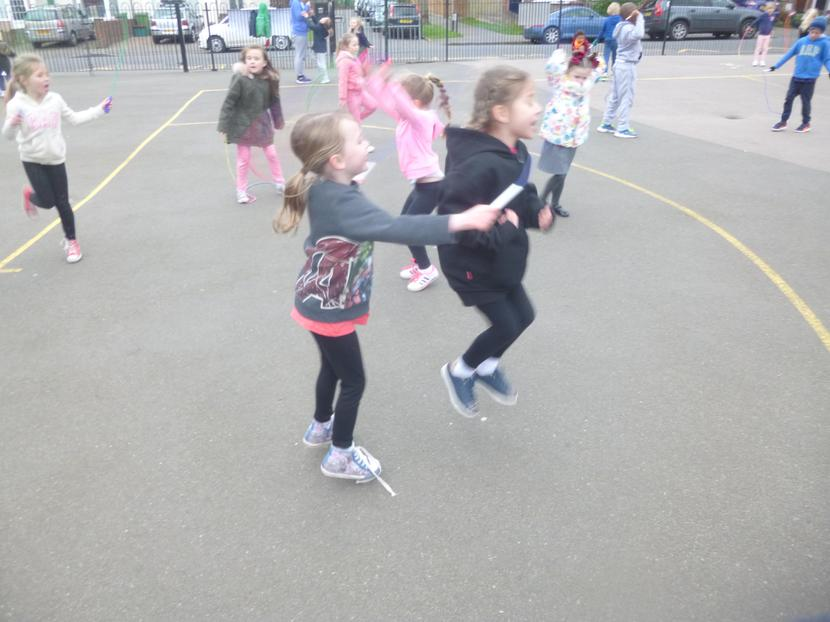 Isla and Farah Partner Skipping
