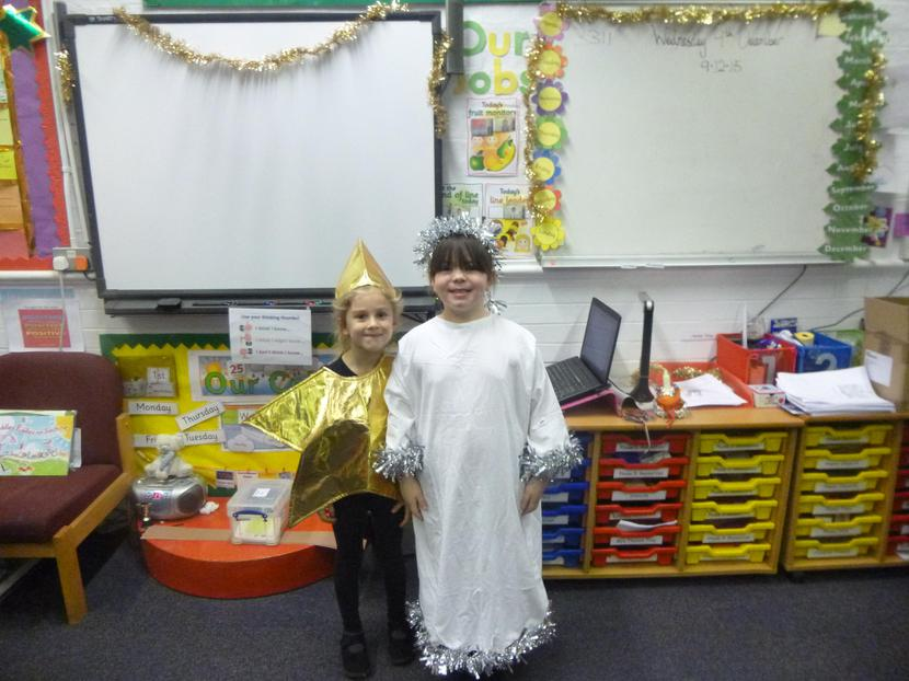 Sofia as the star and Crystal as an angel.