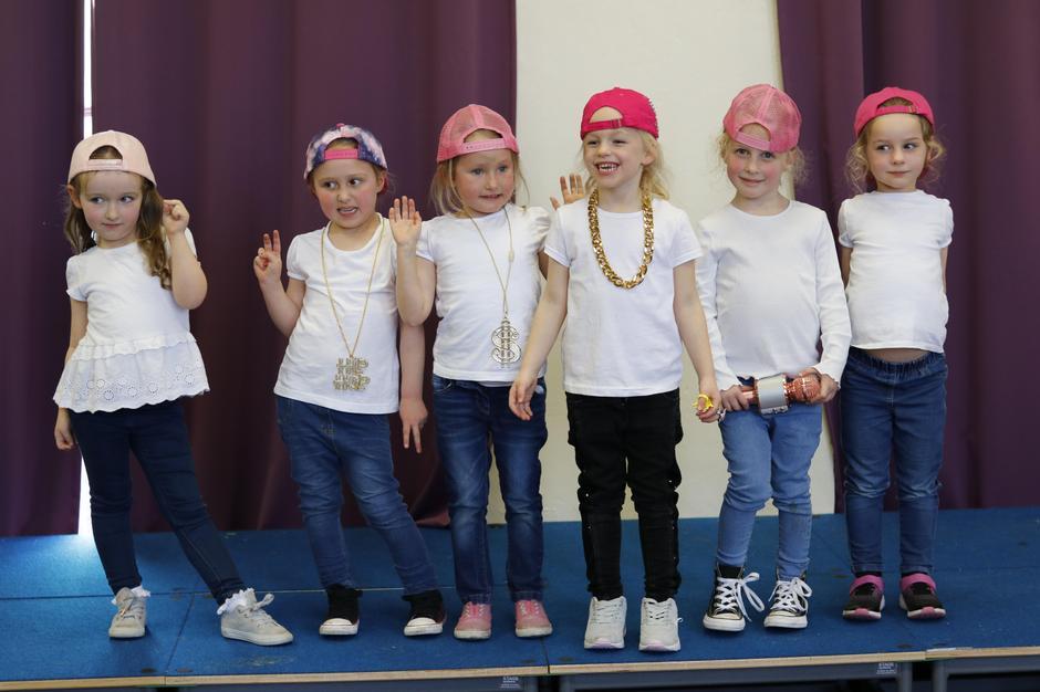 Girl Band - Six