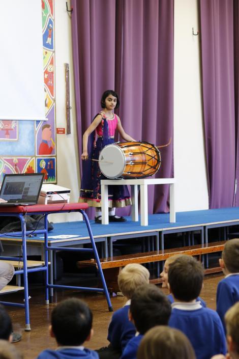 Raiya - Drumming