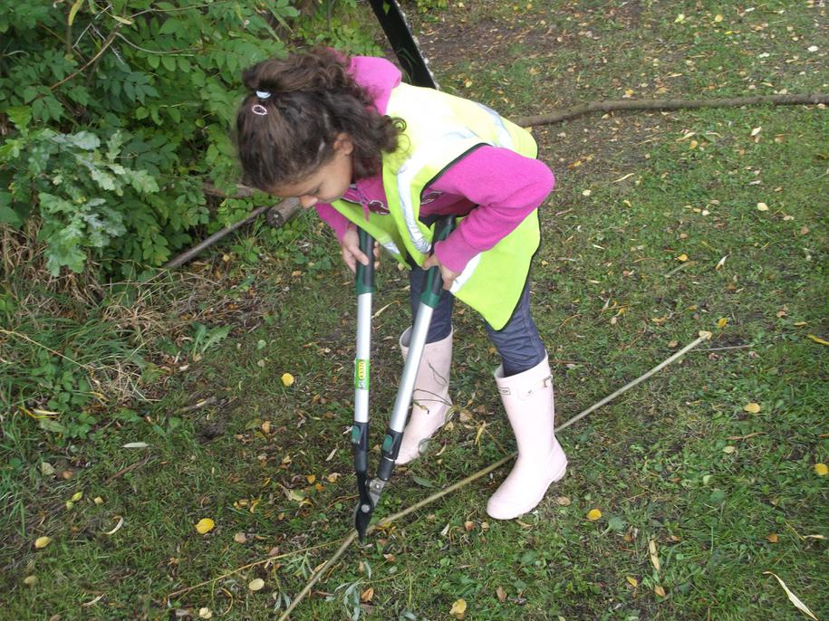 Using Loppers to make bow and arrows