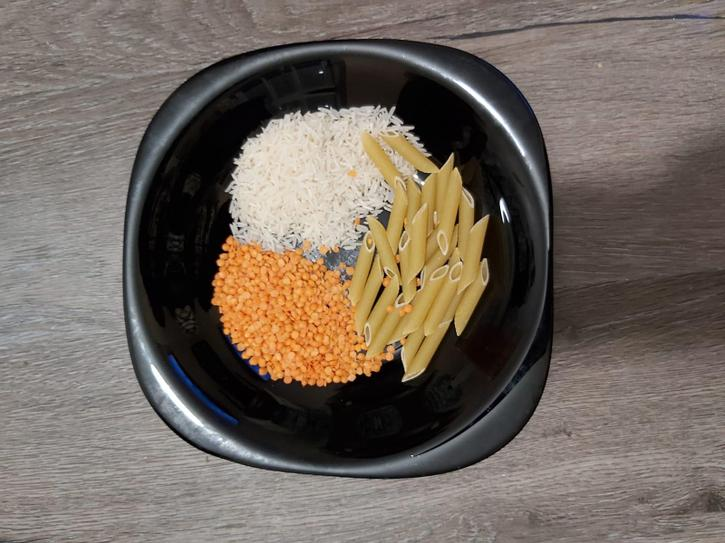 Pasta, lentils and rice
