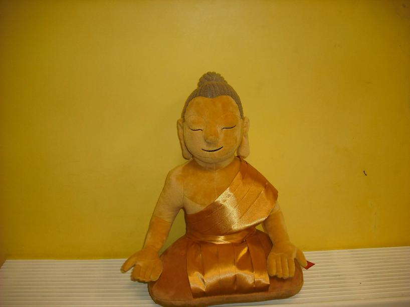 Year 1 listened to a story about the Buddha's early life before sculpting their own Buddhas.