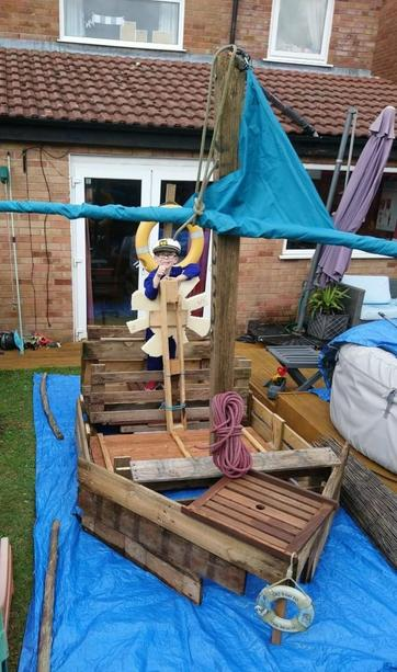 Louis and his dad made this amazing pirate ship!