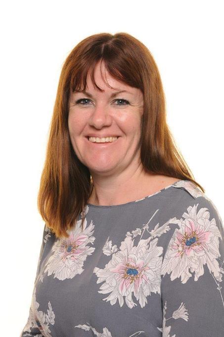 Mrs Palmer - Class Teacher/Maths & Literacy Lead