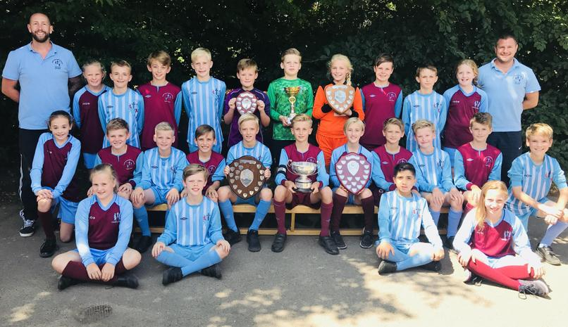 2017-18 Football teams