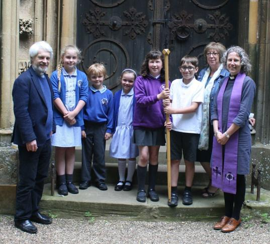 Handing over the Cross of Nails to Hampton Lucy