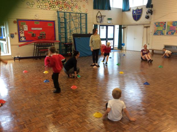Making movement sequences with coloured cones.