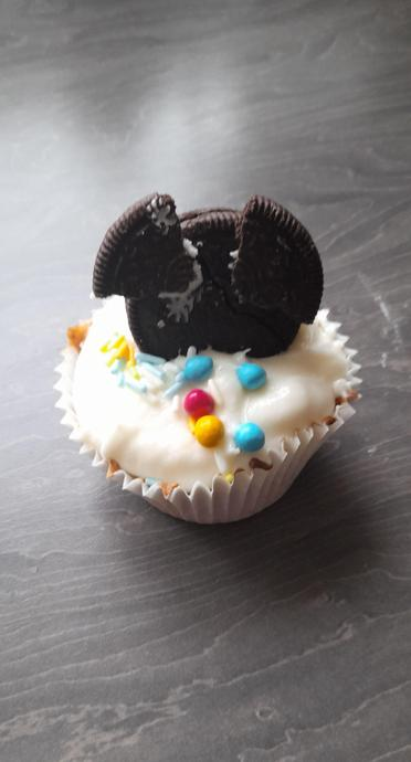 Lincoln's amazing Micky Mouse cupcakes