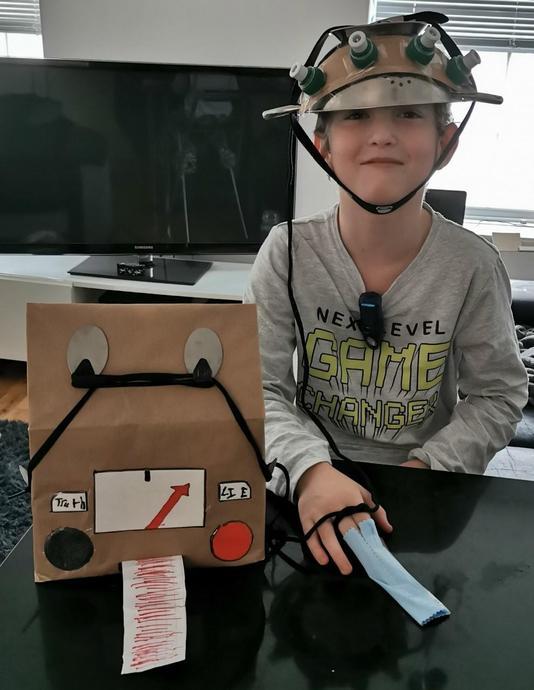 Ollie's amazing lie detector gadget!