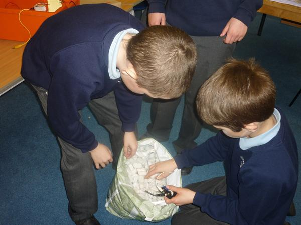 Evaluating sound levels in polystyrene