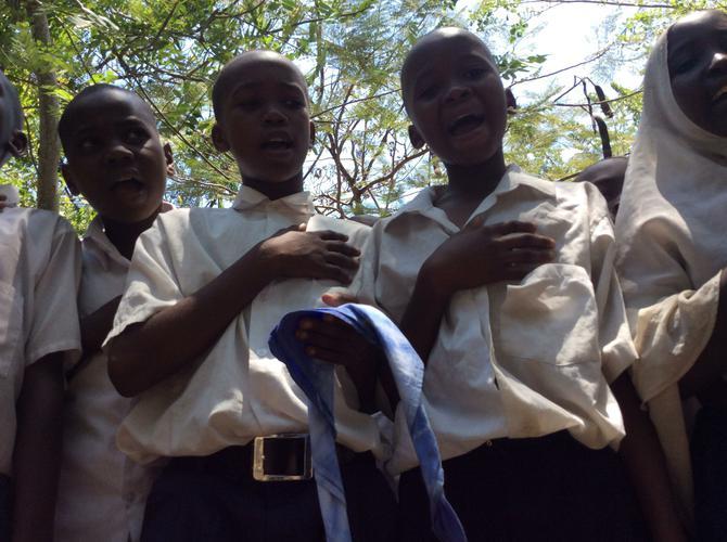 Children singing 'Tanzania Tanzania'