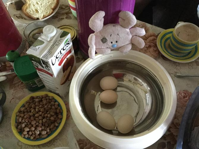 Peanuts, eggs, bread - yummy!