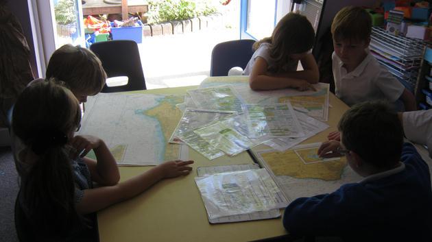Reading marine maps