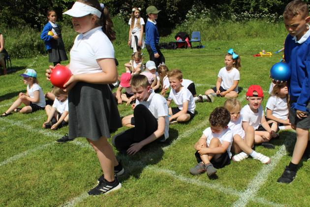 The Year 6 children supported each team