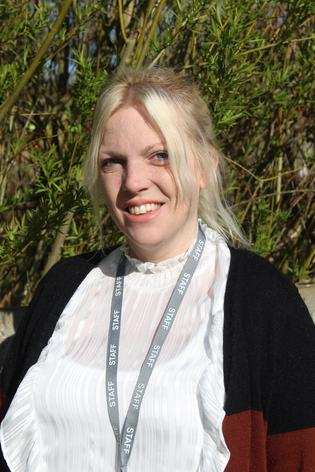 Mrs McEwen-Beard - Pre-school practitioner