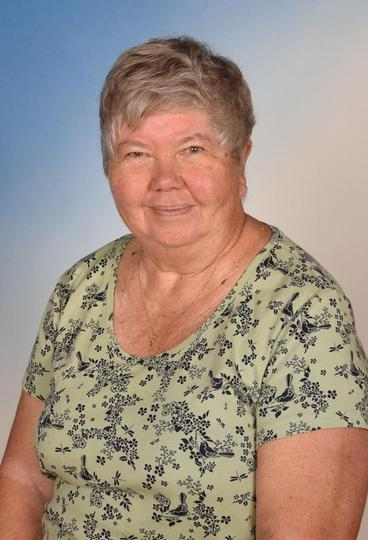 Mrs Diane Steer