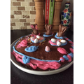 Kian & his brother have made an Easter cake!