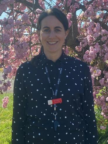 Mrs Arnott - Teacher Thursday-Friday - EAL and Computing Lead