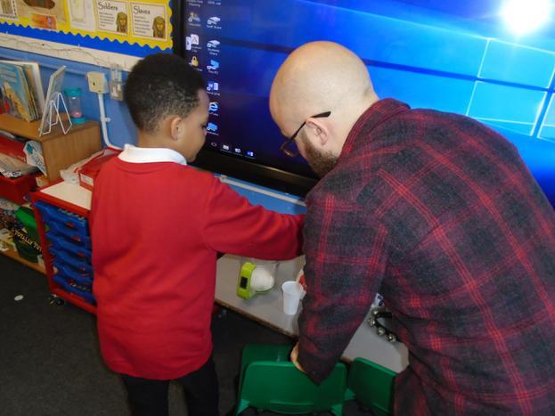 Simon came along to help us! Thank you Simon! :)