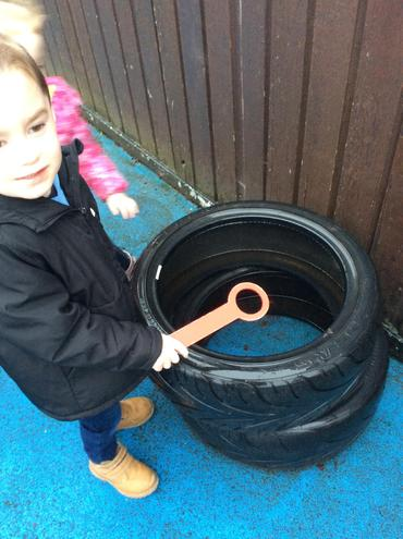 The children went on a shape hunt around our outdoor environment.