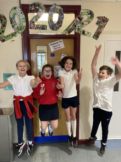 Well done to Jack, Emma, Leah & Zara for getting 100% in your Friday tests this term.