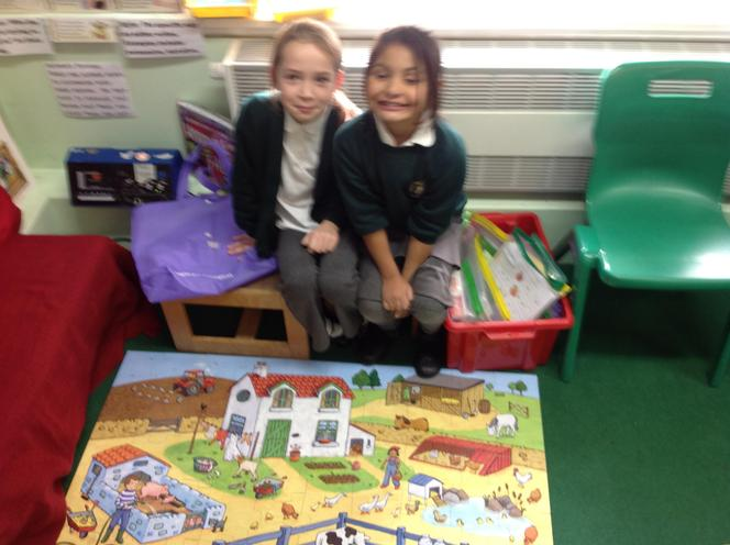 Working together Londra and Leila