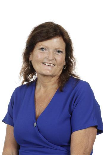 Mrs T. Ribbons, Year 5 teacher, MFL Leader